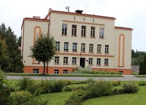 Dāvja Ozoliņa Apes vidusskola
